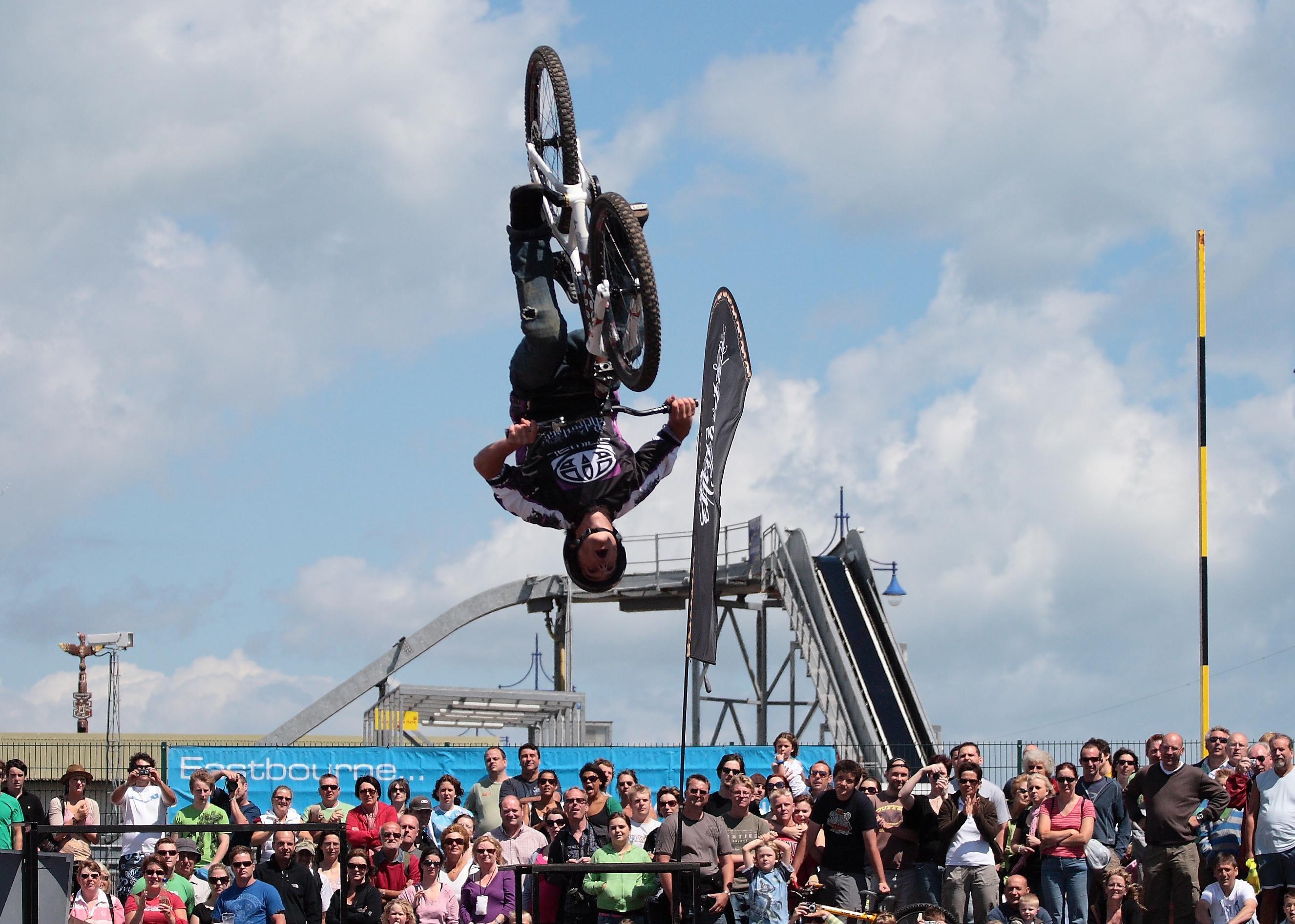 Biker_jump_sport